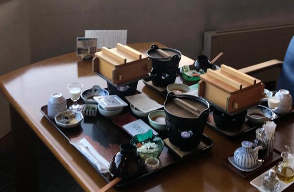 traditional breakfast served at Tatsumikan