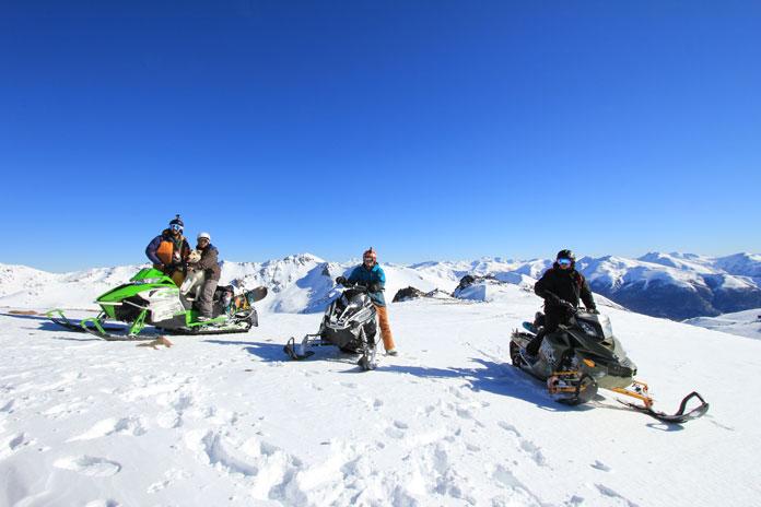 Snowmobiles at Mallin Alto