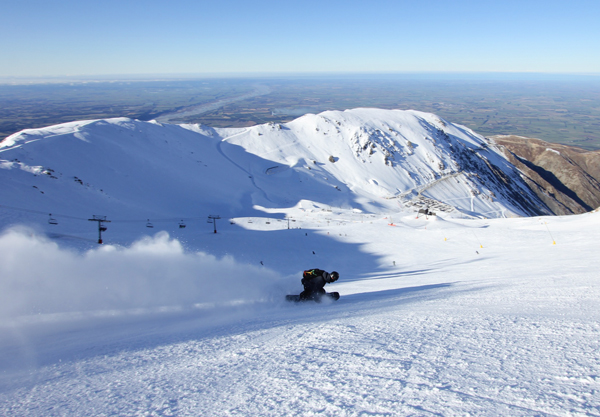 Snowboarding at Mt Hutt
