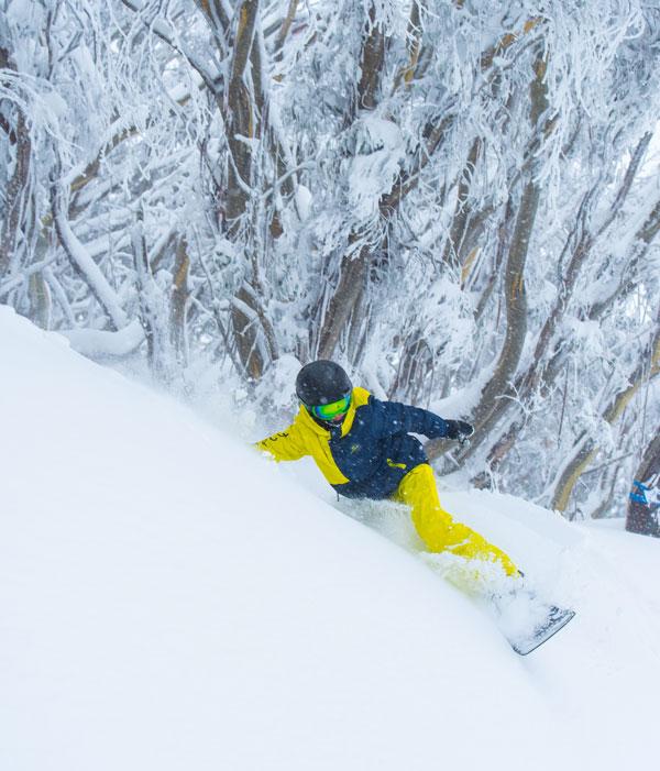 Snowboarding Buller southside