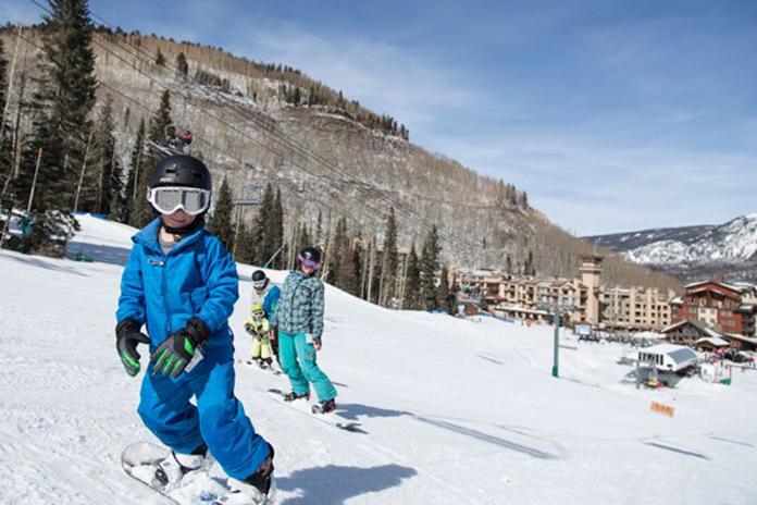 Family snowboarding Purgatory