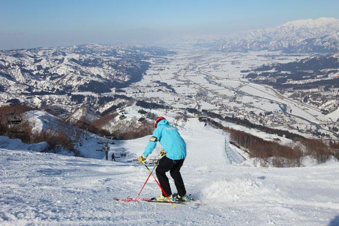 skiing top lift at Ishiuchi