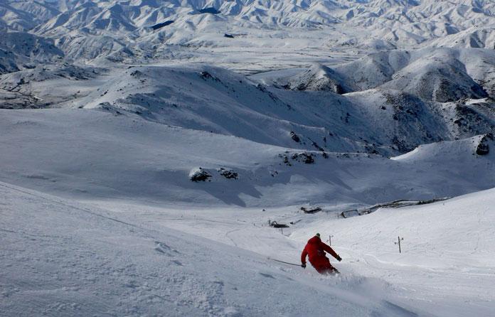 Skiing at AMuri, Hanmer Springs Ski Area New Zealand