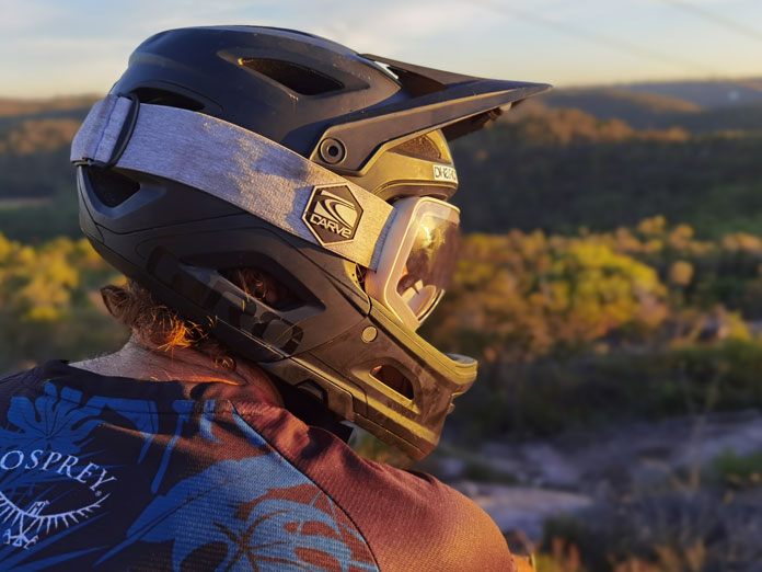 Close up of how CARVE SCOPE goggle fits in bike helmet