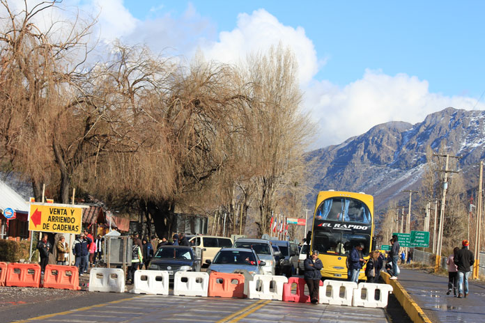 Roadblock at base of pass to Portillo
