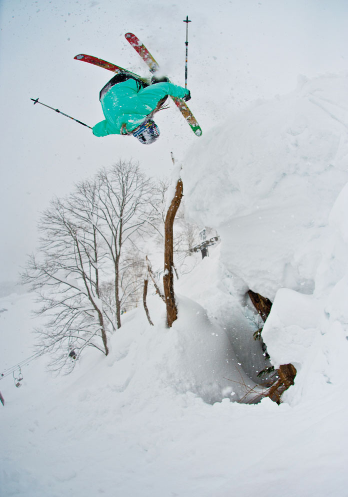 Front flipping off avi barrier with 6m of snow at Seki Onsen, Myoko