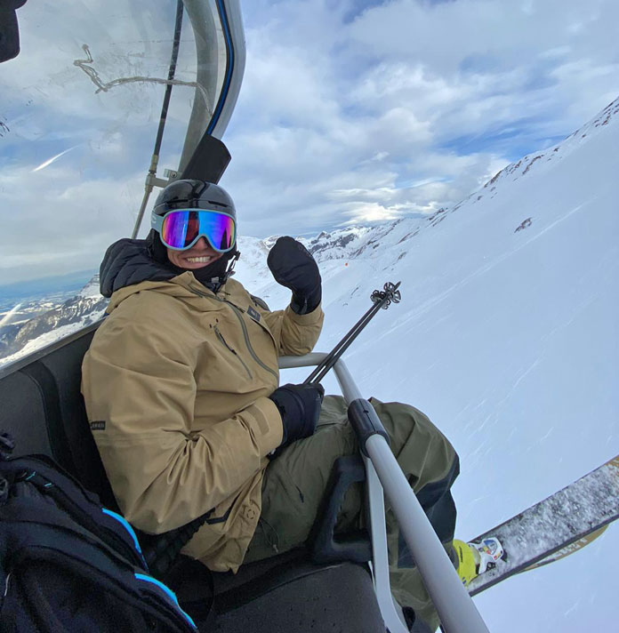 Tof Henry on the lift at engelberg-Titlis