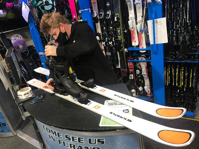 Setting bindings on Kastle MX88 skis for test