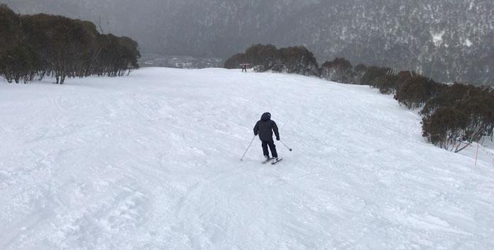 Skiing empty run at Thredbo