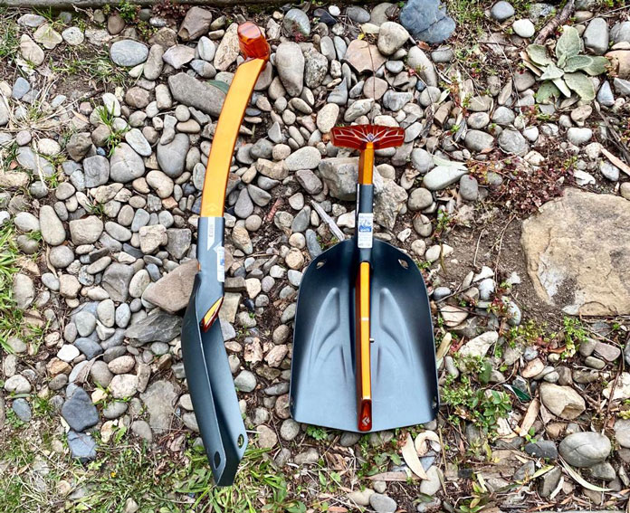 Black Diamond Deploy 7 snow shovel blade extended and compacted view