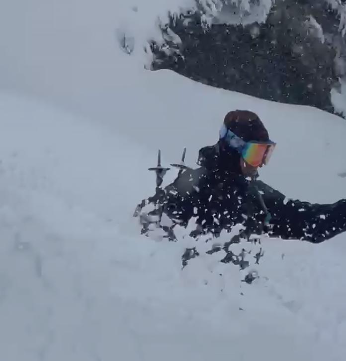 Waist deep powder riding on Funnelweb, Thredbo